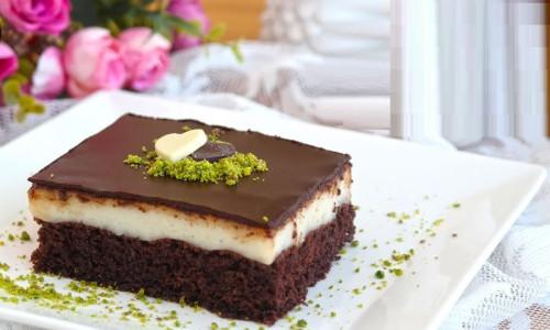 Çikolatalı Şerbetli Kare Tatlısı Tarifi